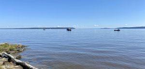 Bateaux de pêche du côté est de l'île Farr