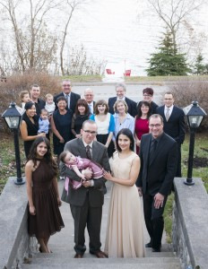 Small destination wedding held in the fall at the Presidents' Suites Villa in Haileybury - petit mariage à destination à la Villa des Suites des Présidents à Temiskaming Shores