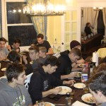 Sport group dining at the Lumber Baron's House / Groupe sportif ayant un repas dans la Maison des barons forestiers