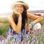 Robyn Dewar une collaboratrice du blogue Destination Temiskaming et de l'expérience simplicité musique cuisine crue
