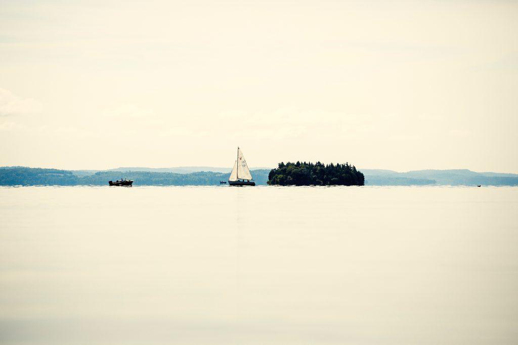 Bateaux autour de l'île Farr sur le lac Témiskaming